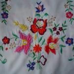 Kalocsai virágcsokor hímzés