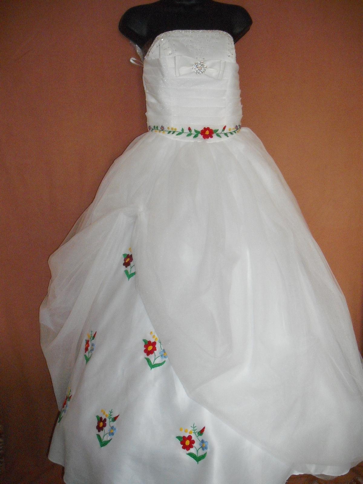 Kalocsai menyasszonyi ruha