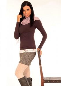 Krém színű kalocsai hímzett derékmelegítő