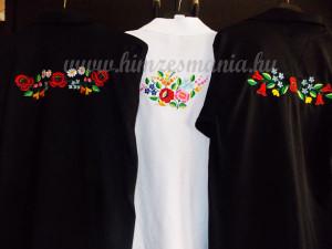 Hímzett férfi pólók kalocsai mintával