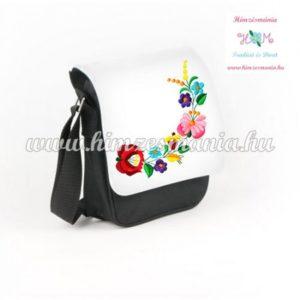 Fekete kalocsai kis táska