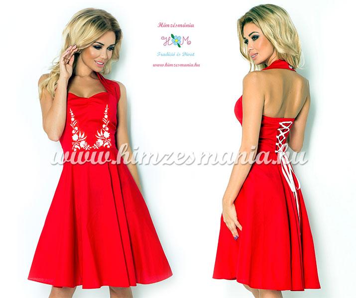 piros-menyecske-ruha-feher-kalocsai-mintaval
