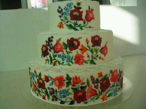 kalocsai mintás esküvői torta Emeletes kalocsai torta   HímzésmániaHímzésmánia kalocsai mintás esküvői torta